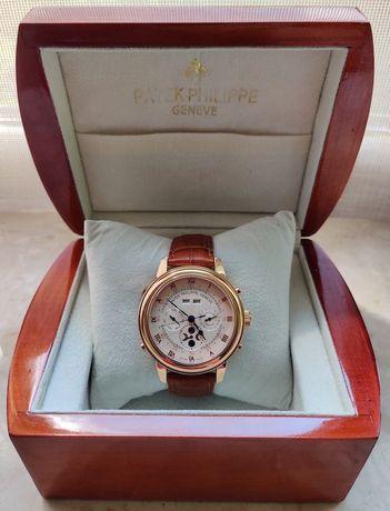 """мужские часы """"Patek Philippe""""."""