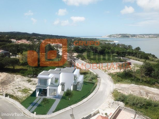 Fantástica Moradia T4 a dois passos da Lagoa de Óbidos!
