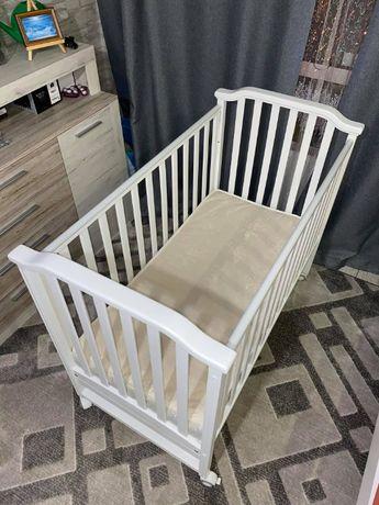 Продам детскую кроватку Mioobaby