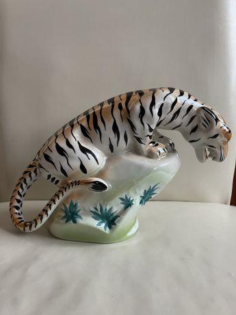 Zabytkowa figurka porcelanowa Tygrys
