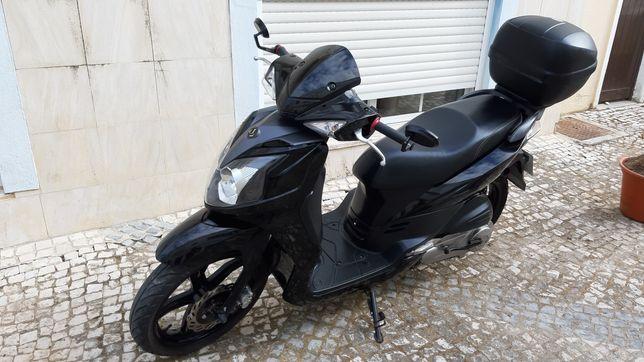 Scooter Sym 125 R