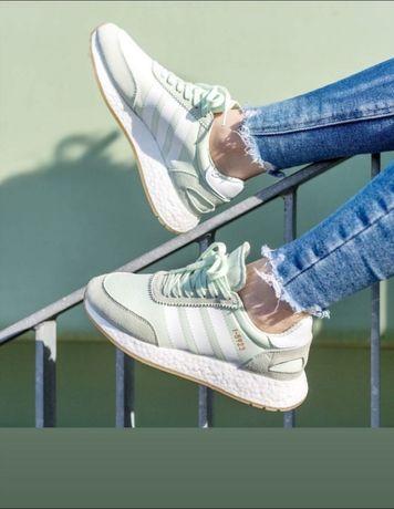 Adidas кроссовки новые женские
