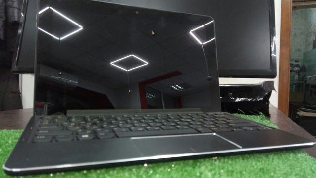 Продам шикарный планшет с клавиатурой