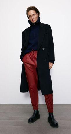 Zara брюки джоггеры из искусственной кожи