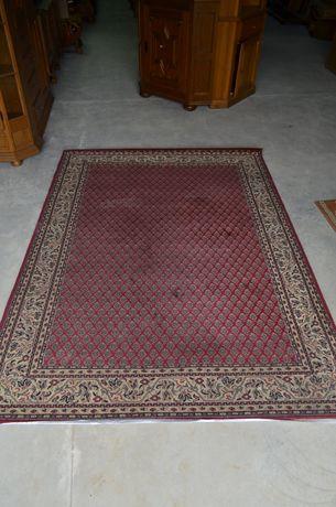 Stylowy dywan uzywany