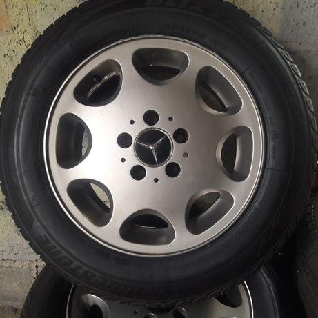 Felgi Aluminiowe Mercedes z oponami.