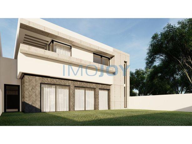 Moradia V4 com Jardim em Construção em Palmeiras, Braga