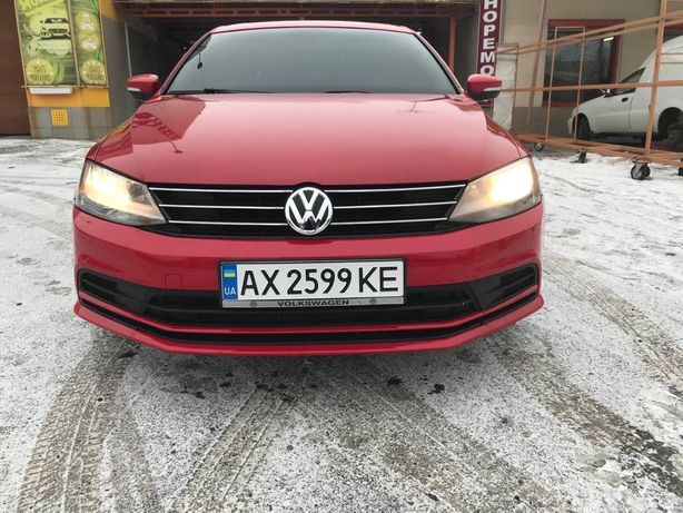 Volkswagen Jetta  SE 1,8 TSI (2015г.)