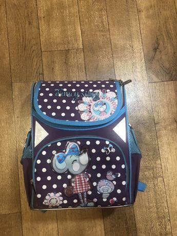 Портфель ранец в школу в отличном состоянии