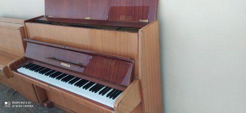 Sprzedam Pianina