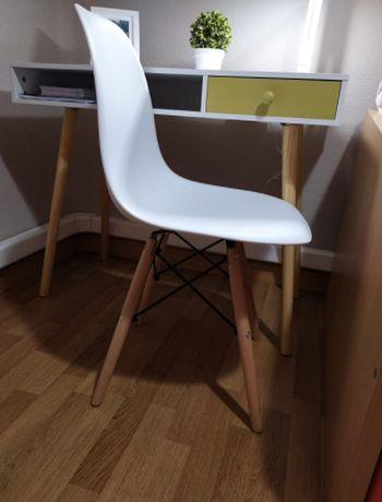 Cadeira Simples (Há várias cores)