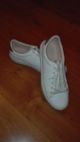Sapatilhas brancas tamanho 38