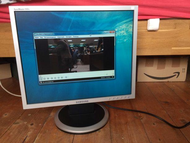 Монітор 19 дюймів Samsung 940N. В хорошому стані. Без дефектів