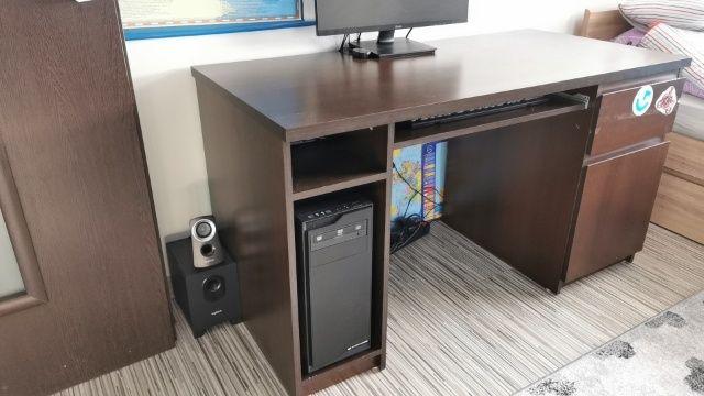 Sprzedam biurko w stanie bardzo dobrym