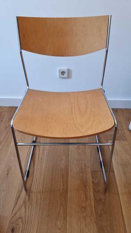 Cadeira de madeira e metal