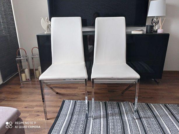Nowoczesne krzesła do salonu białe chrom
