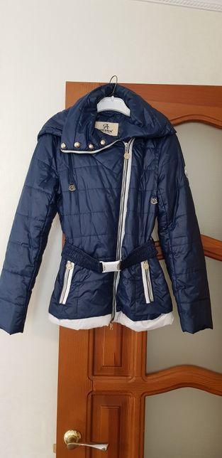 Куртка демисезон.на девочку