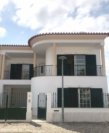 Excelente Moradia T4 Remodelada Porto Alto