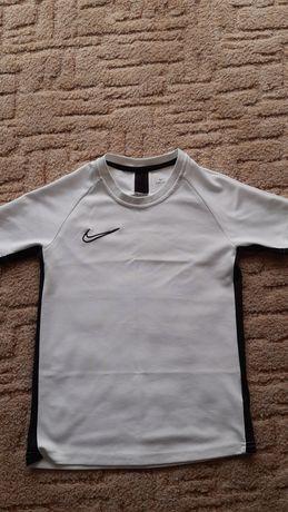 Koszulka na WF odpychająca Nike dri-fit