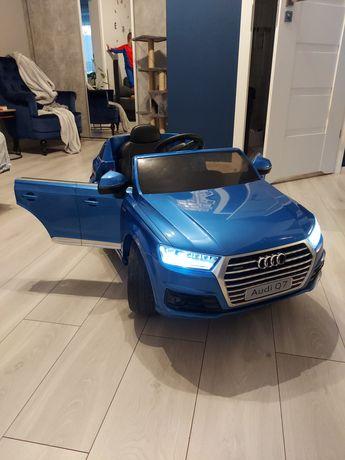 Audi Q7 - Autko na Akumulator