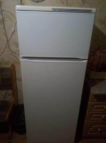 Продам Холодильник Атлант Полурабочий