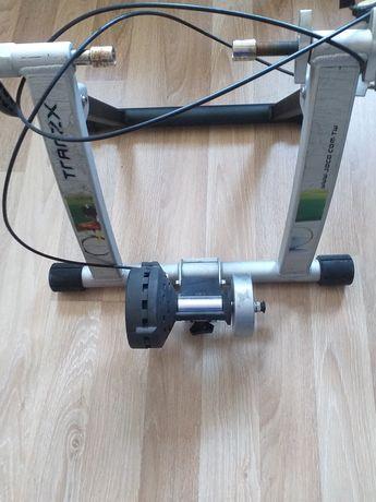 Trenazer rowerowy