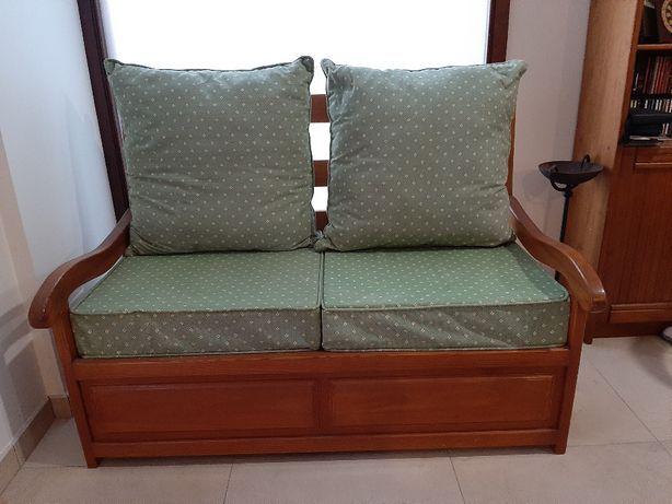 Sofá-cama em pinho maciço