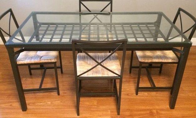 Mesa de sala - Em ferro e vidro temperado