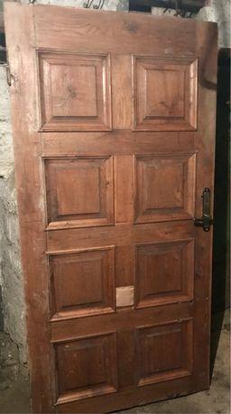 Дверь дубовая