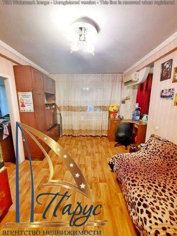 +Продам 2 ком.квартиру ул.Победы в районе Амстора 26000 дол.