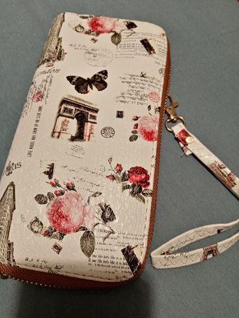 Duży portfel damski biały