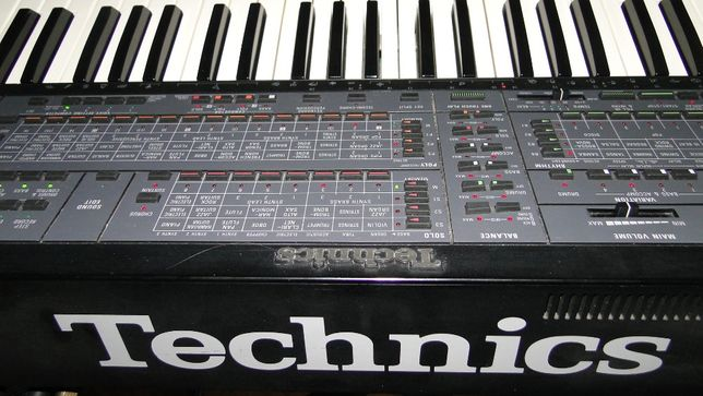 Keyboard Technics SX-K N-700 Aranżer.