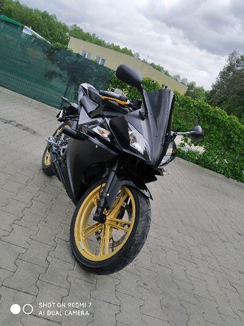 Sprzedam Yamaha YZF R 125