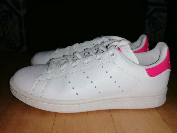 "Tênis adidas ""Stan Smith"""