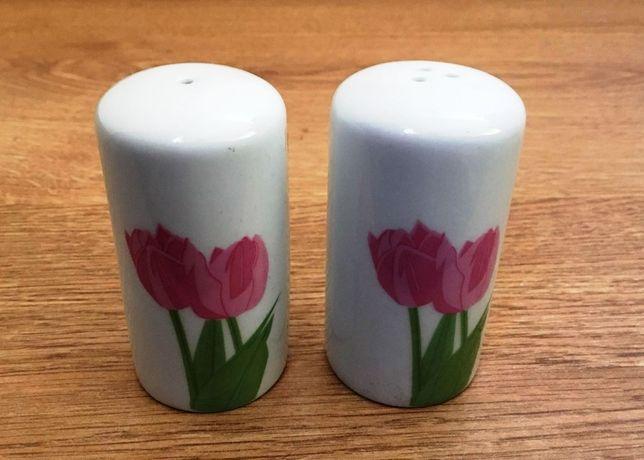 Conjunto de saleiro/pimenteiro em cerâmica