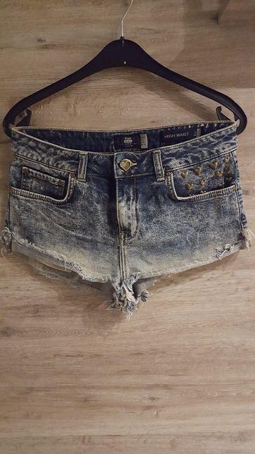 Krotkie jeansowe spodenki / wysoki stan BERSHKA roz.38