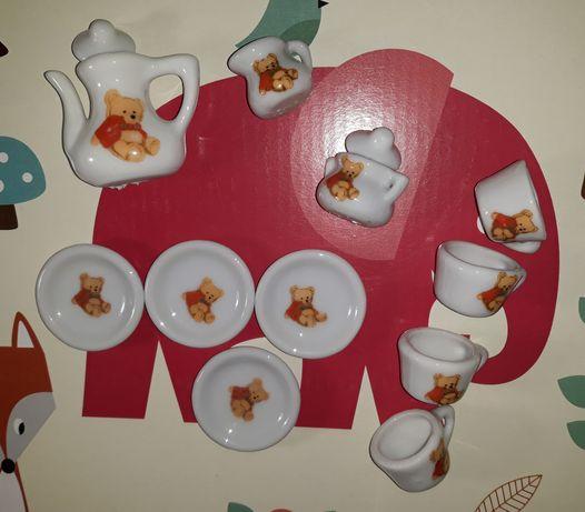 Набор игрушечной посуды из фарфора