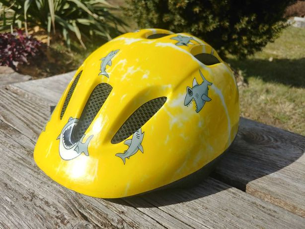Kask rowerowy żółty w rekiny roz S/M 52-57
