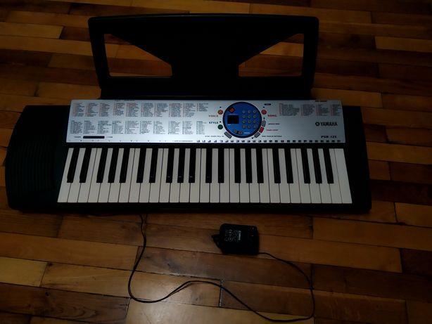 Синтезатор Yamaha PSR-125 + блок питания