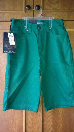 Новые подростковые шорты. ПОТ-34, длина по боковому шву-55, шаговый-28