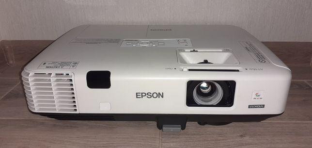 3хLCD проектор EPSON EB-1940. 4200 люмен/1280×800 WXGA/Wi-Fi/HDMI/USB