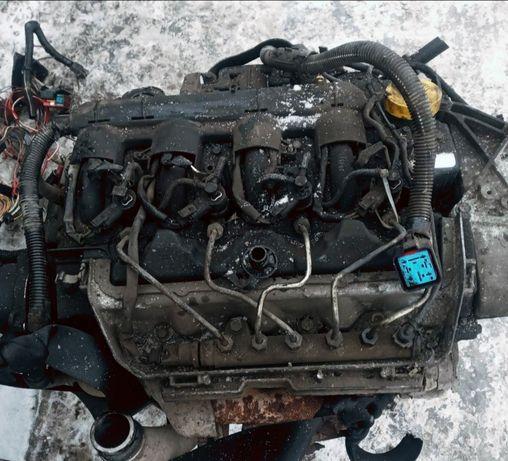 Мотор двигун Renault Master Opel 2.5 dci 120 двигатель Рено G9U Nissan