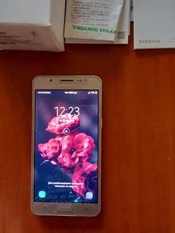 Продам телефон  Samsung Galaxy модель J510H/DS в ремонте не был .