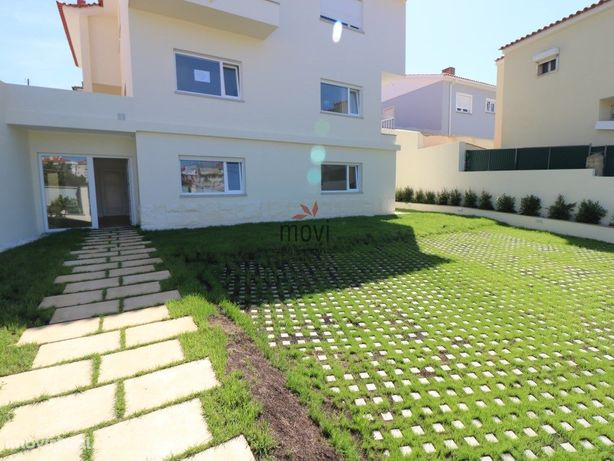 Apartamento totalmente renovado com jardim