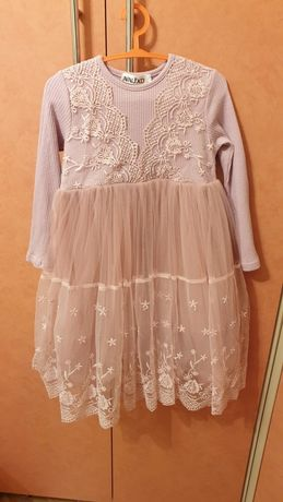 Нарядное платье на девочку