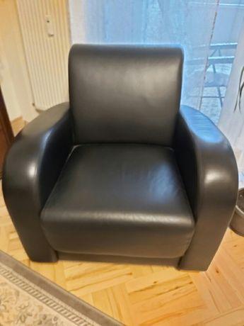 Skorzany czarny fotel