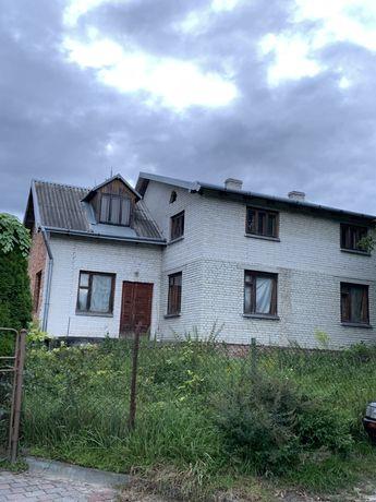 Будинок особняк земельна ділянка