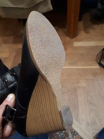 Жіноче взуття осінь