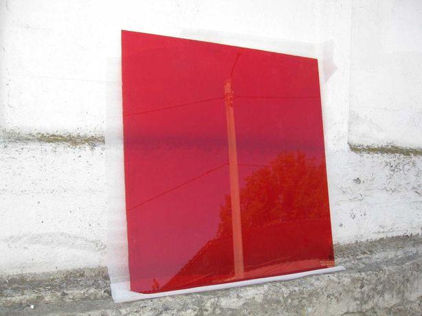Оргстекло красное толщина 3 мм.