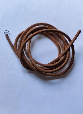 Кожаный ремень для швейной машины с ножным приводом.